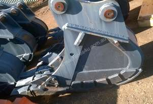 EXCAVATOR BUCKET 8 TON 300 mm WIDE