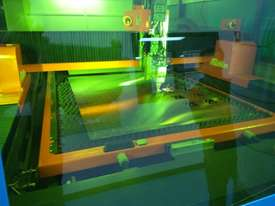 Farely MARVEL 12.0kW Fiber Laser machine 2.5m x 6m with Transfer Table - (LARGE MACHINE) - picture9' - Click to enlarge