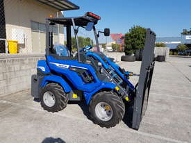 6.3+ Bee Loader 950kg Lift Capacity - picture2' - Click to enlarge