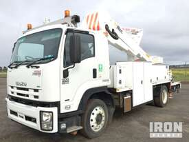 2015 Isuzu FTR 900 Premium 4x2 Elevating Work Platform - picture2' - Click to enlarge