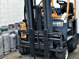 Multi-Directional Forklift - picture0' - Click to enlarge