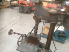 USED TOUGH DRILL /SQUARE CHISEL MORTISER - picture4' - Click to enlarge
