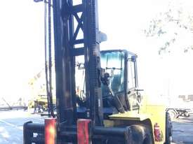 16T Counterbalance Forklift - picture4' - Click to enlarge