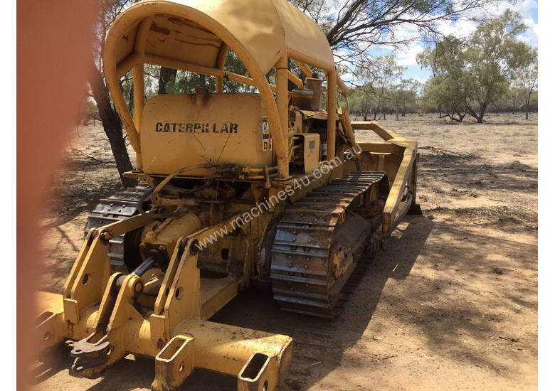 Used 1983 Caterpillar D5B Dozer in , - Listed on Machines4u