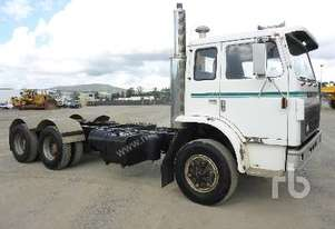 INTERNATIONAL ACCO Cab & Chassis