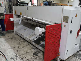 Machtech QC11Y - 6X3200 Hydraulioc Guillotine - picture5' - Click to enlarge