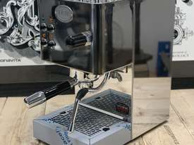 ECM CASA V 1 GROUP BRAND NEW STAINLESS STEEL ESPRESSO COFFEE MACHINE - picture1' - Click to enlarge