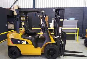 CAT 2.5T Diesel Forklift with Container Mast