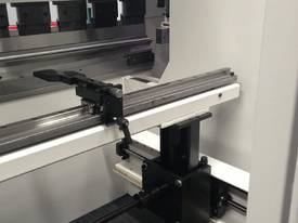 Environmentally friendly Durma ADServo Press Brake - picture1' - Click to enlarge