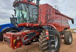 2009 CASE 8120 Combine with 35' MacDon Front