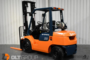 Toyota 7FG30 3 Tonne Forklift 2 Stage 4000mm Mast 5558 Low Hours Solid Tyres Dual Fuel LPG Petrol