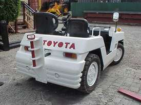 Toyota TD25 Towing Tractor - picture6' - Click to enlarge