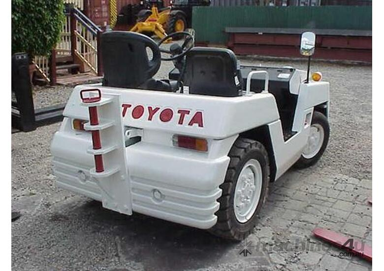 Toyota TD25 Towing Tractor