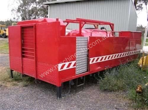 2000ltr tray mnt fire fighter , deisel powered pum