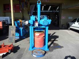 HEAVY DUTY PORTABLE HYDRAULIC 200L DRUM CRUSHER