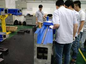 G4020F 2.5-4KW Han's Fiber Laser Cutting System - picture3' - Click to enlarge