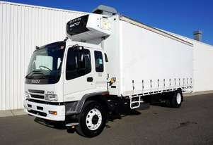 2007 Isuzu FVD950 12 Pallet Refrigerated Curtainsi