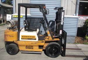 Komatsu 2.5 ton Container entry Used Forklift