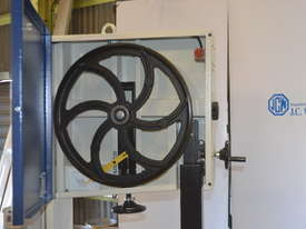 Bandsaw  for timber & plastics - picture4' - Click to enlarge