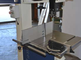 Bandsaw  for timber & plastics - picture5' - Click to enlarge