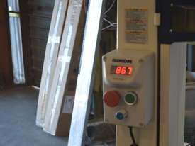 Bandsaw  for timber & plastics - picture9' - Click to enlarge