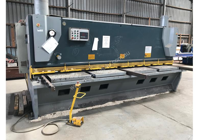 AVAILABLE NOW! - METALMASTER 4000mm x 12mm Variable Rake Guillotine