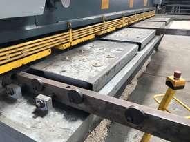 JUST IN - METALMASTER 4000mm x 12mm Variable Rake Guillotine - picture4' - Click to enlarge