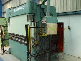 Gaspirini Full Synchro CNC Press Brake - picture0' - Click to enlarge