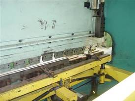 Gaspirini Full Synchro CNC Press Brake - picture3' - Click to enlarge