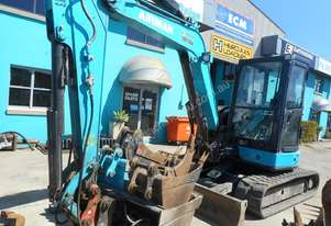 5.5 Tonne Airman Excavator for HIRE with Buckets & Ripper