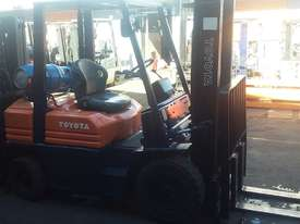 TOYOTA 5FG25 4500MM LIFT SIDE SHIFT GREAT VALUE - picture2' - Click to enlarge