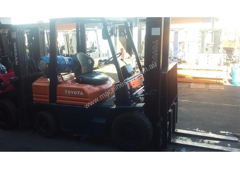 TOYOTA 5FG25 4500MM LIFT SIDE SHIFT GREAT VALUE