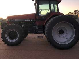 Case IH 8950 FWA/4WD Tractor - picture3' - Click to enlarge