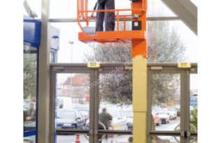 5.3m - Electric Vertical Lifts available for Hire