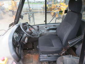 2006 Caterpillar 740EJ Articulated Dump Truck - picture12' - Click to enlarge