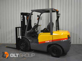 TCM FD30T3 Diesel 3 Tonne Forklift Integral Sideshift Pneumatic Tyres Low Hours - picture0' - Click to enlarge
