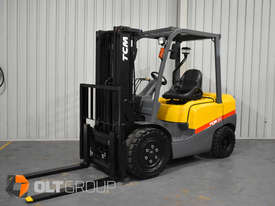 TCM FD30T3 Diesel 3 Tonne Forklift Integral Sideshift Pneumatic Tyres Low Hours - picture1' - Click to enlarge