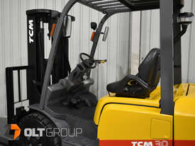 TCM FD30T3 Diesel 3 Tonne Forklift Integral Sideshift Pneumatic Tyres Low Hours - picture10' - Click to enlarge