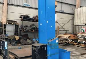 Maximiser semi automatic pallet wrapper c/w with ramps.