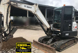 2014 Bobcat 4ton Excavator, 3600hrs, lots attachments. EMUS MS468