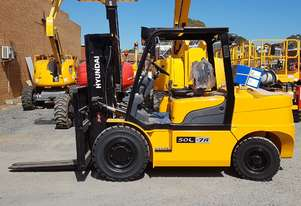 New 5 tonne LPG  container entry forklift