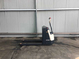 Crown  Pallet Jack Jack/Lifting - picture1' - Click to enlarge