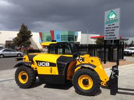 JCB 527-58C for hire only - picture2' - Click to enlarge
