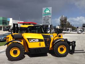 JCB 527-58C for hire only - picture4' - Click to enlarge