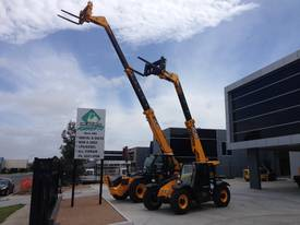 JCB 527-58C for hire only - picture5' - Click to enlarge