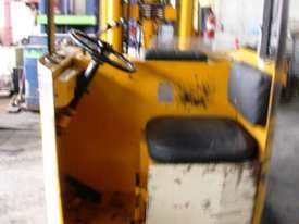 Toyota 1.8 Ton Electric Forklift Reach Truck - picture1' - Click to enlarge