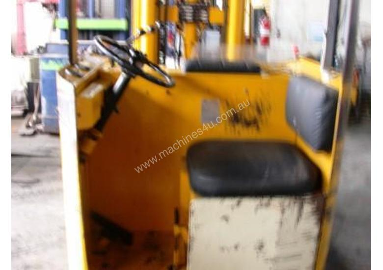 Toyota 1.8 Ton Electric Forklift Reach Truck