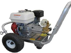 Gerni Petrol Pressure Cleaner (MC5M 240/870PE) Poseidon 5-50PE - picture1' - Click to enlarge
