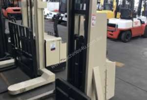 1.0T Crown (3.3m Lift) Walkie Stacker, 24V, 20MT130A