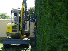 Slanetrac HC150 Excavator Hedge Trimmer Attachment - picture11' - Click to enlarge